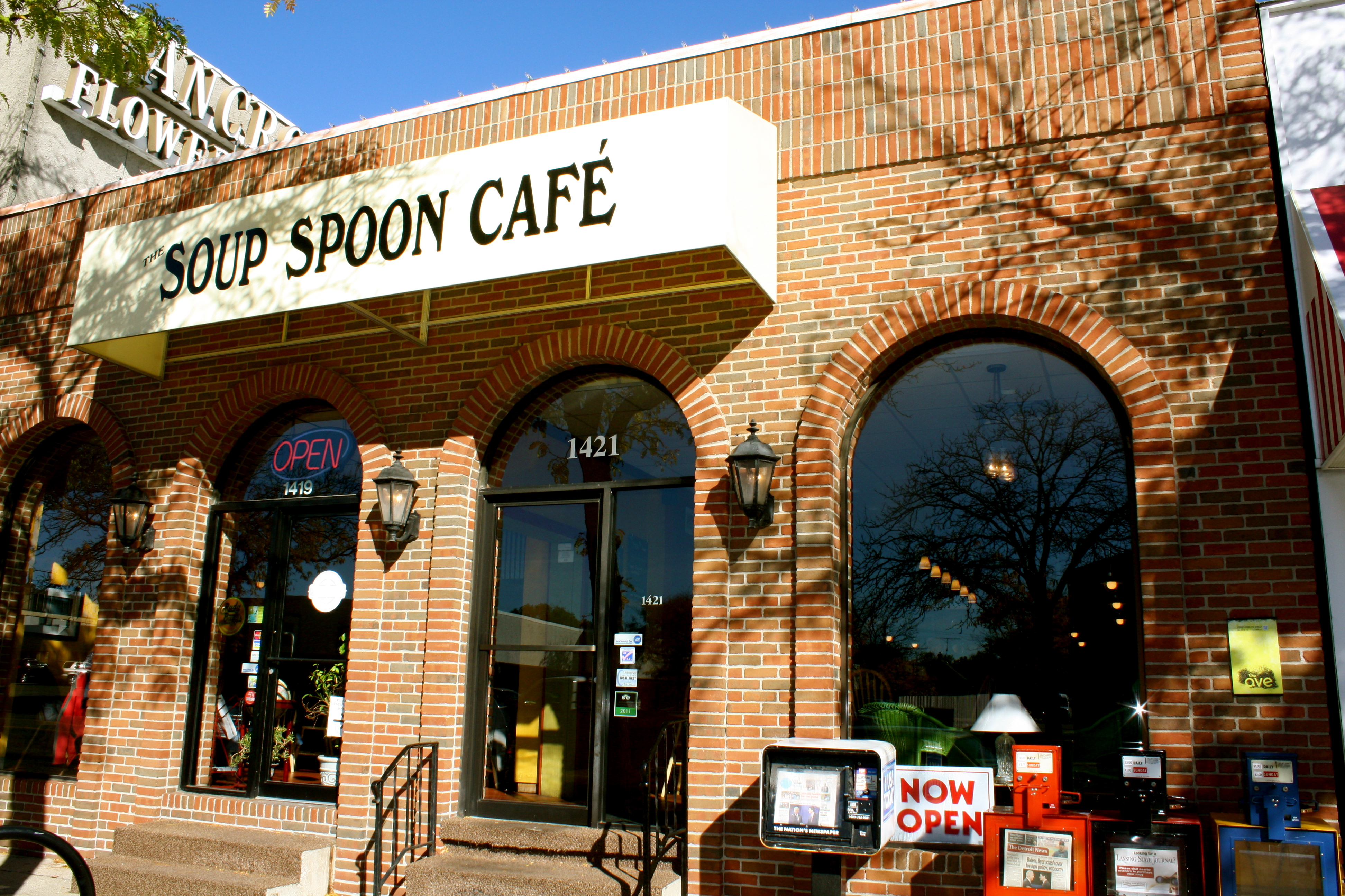 Soup Spoon Cafe Lansing Hours